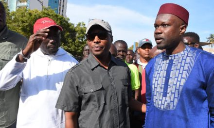 Ousmane Sonko et Barthélémy Dias manifestent à Dakar